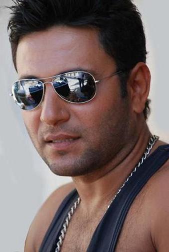 صور زياد برجي المطرب اللبناني زياد برجي
